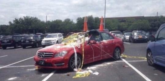不守规矩停车 老外的做法很解气