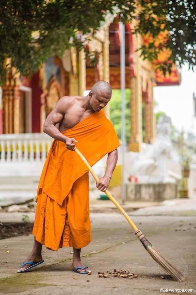 世上最强的僧侣。baukaew,泰拳高手