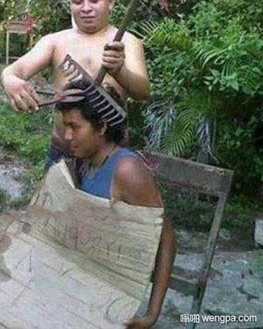 【理发笑话】上一次去剪头发,当理发师什么都准备好要开始大干一场时