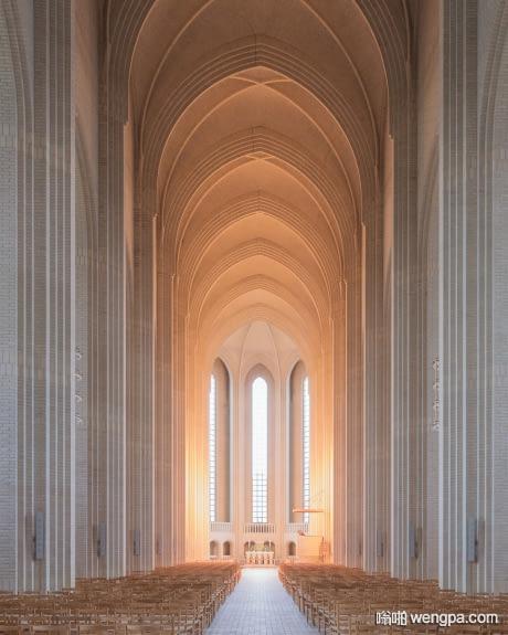哥本哈根格伦特维教堂 最壮观的教堂之一 - 嗡啪网