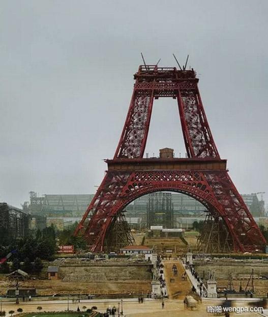 埃菲尔铁塔建于1887年 埃菲尔铁塔建设时候的照片 - 嗡啪网