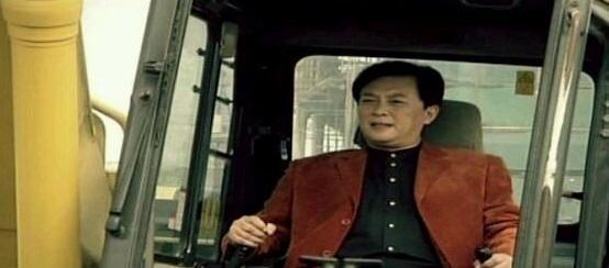 [段子]唐国强去西柏坡旅游,被村民强行拦住交过路费