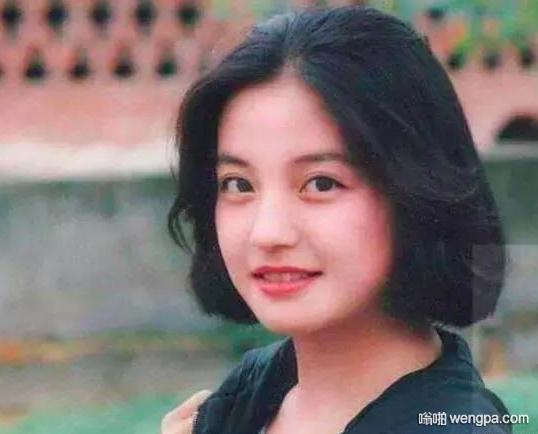 黄晓明为什么追不到赵薇 看了两人大学期间的照片瞬间懂了
