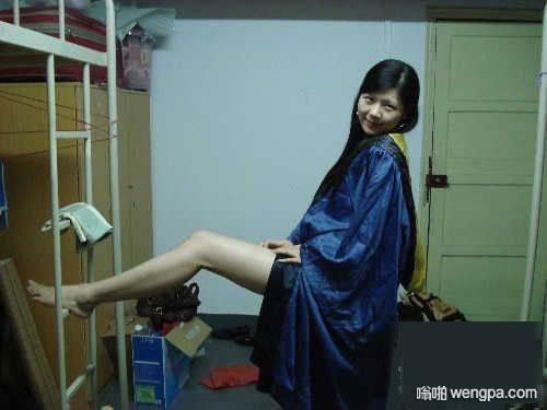 【搞笑段子】上大学时,男生宿舍里,只有我住的这寝室被评为是全能型的!