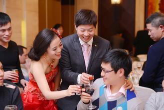 【笑话】我从广州跑到河南帮朋友做伴郎,还要帮新郎喝酒