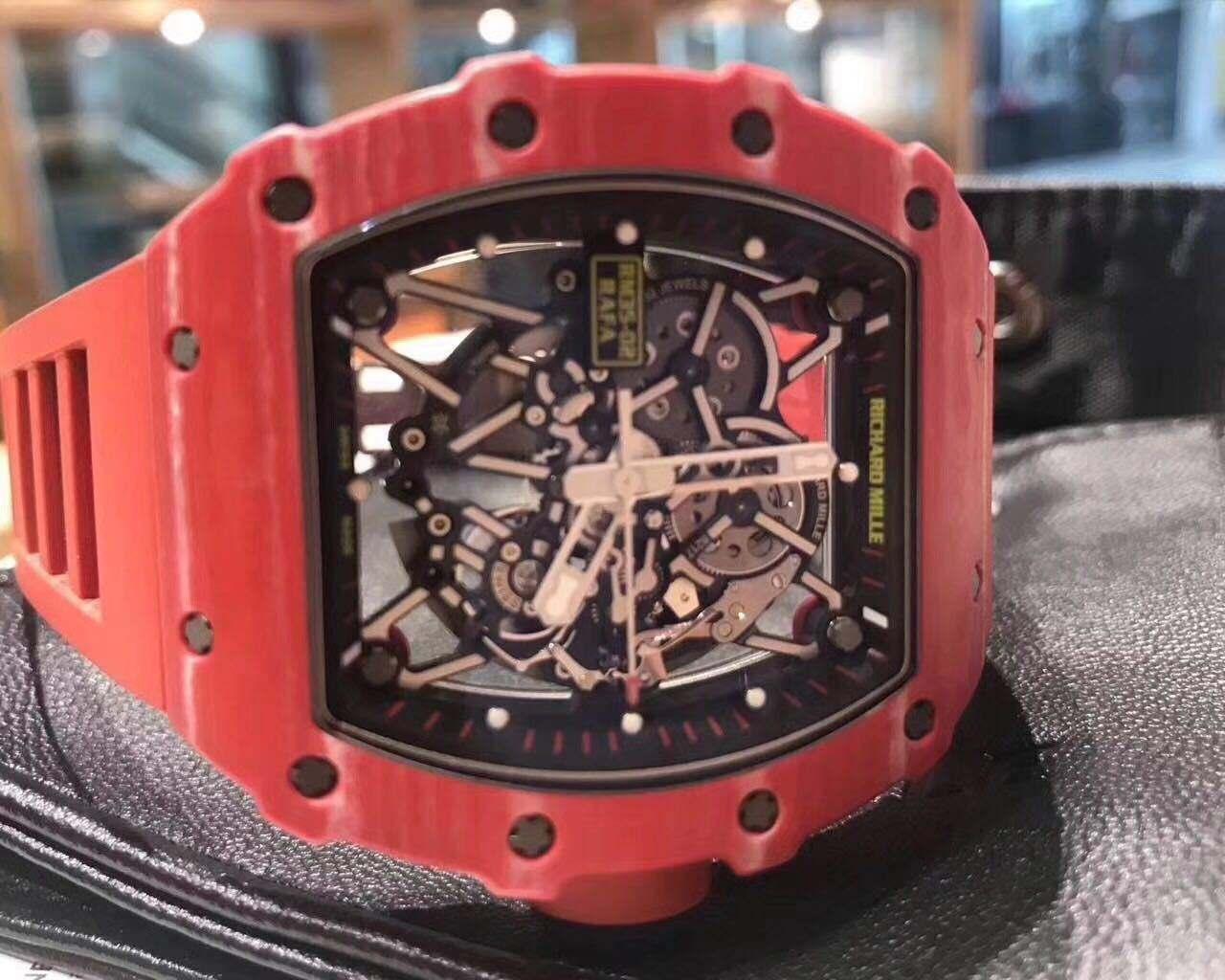 【搞笑段子】带三百块的表跟三十万块钱的表 时间都是一样的