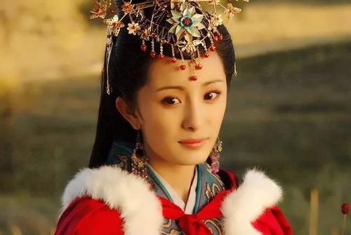 【笑话】今天讲评历史考卷的时候。讲到西汉时远嫁匈奴的人是谁