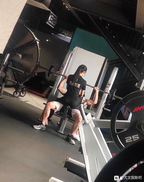 【内涵图】我就想问一下,现在健身房真有这样的私教吗