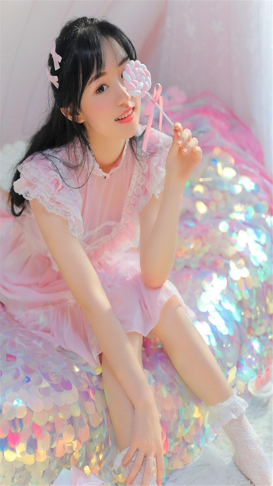 梦幻美女粉红蕾丝裙高清手机壁纸