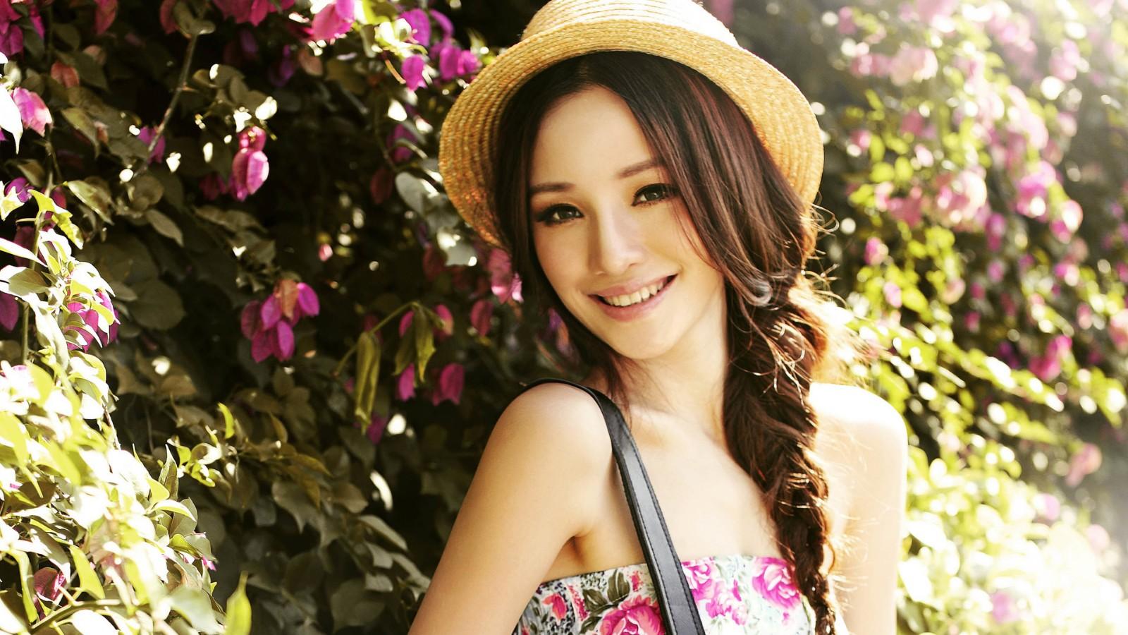 少女,美女,模特小清新,花海,夏日,开心,美女壁纸