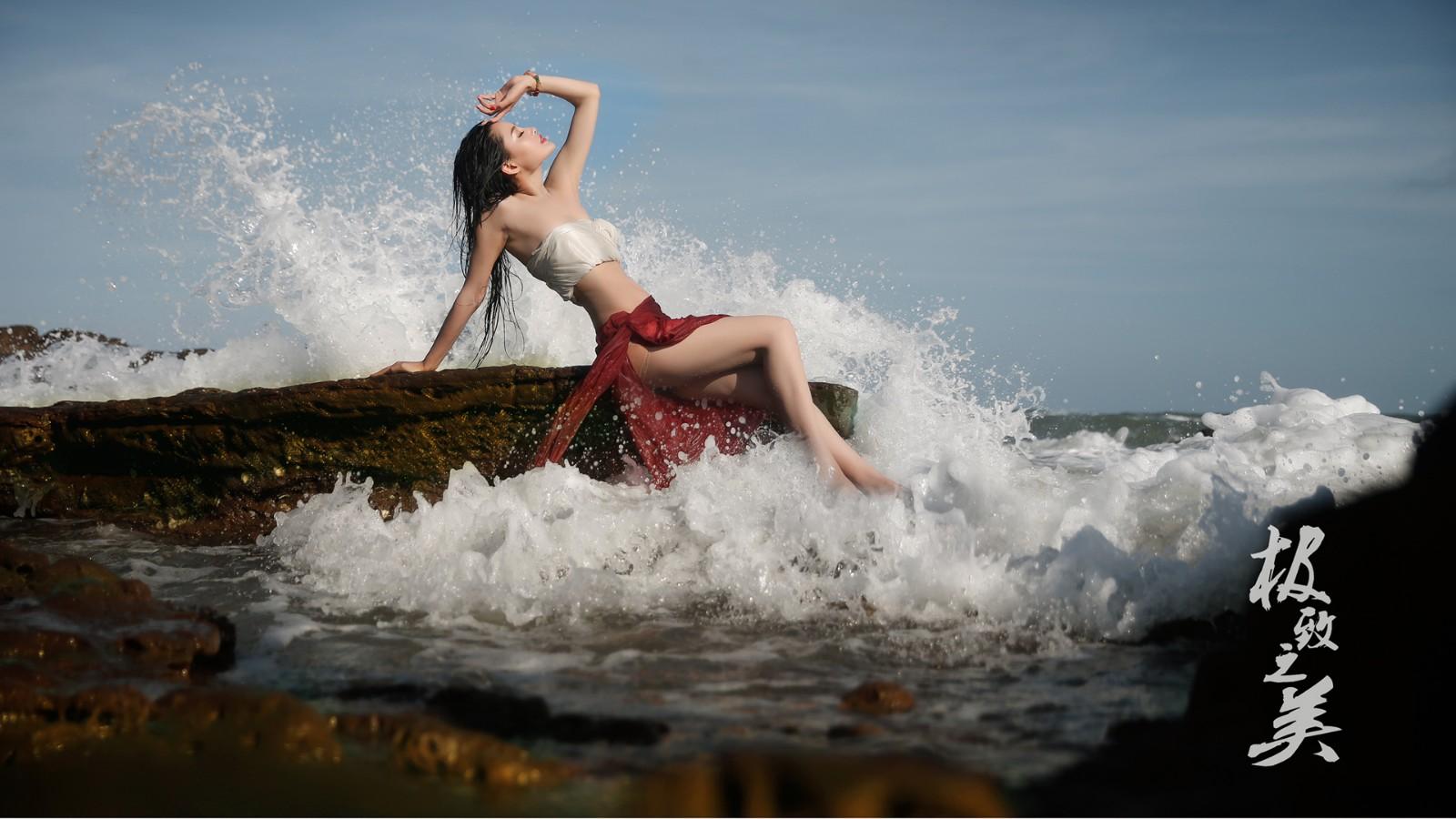 海边摄影,美女,敏敏,海浪,岩石,美女壁纸