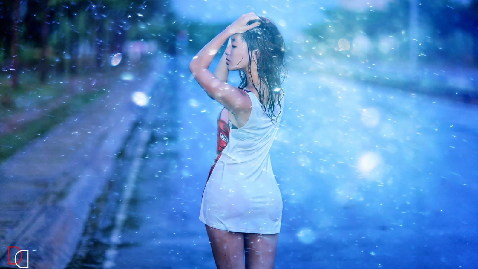美女,街头,雨中,唯美意境,壁纸