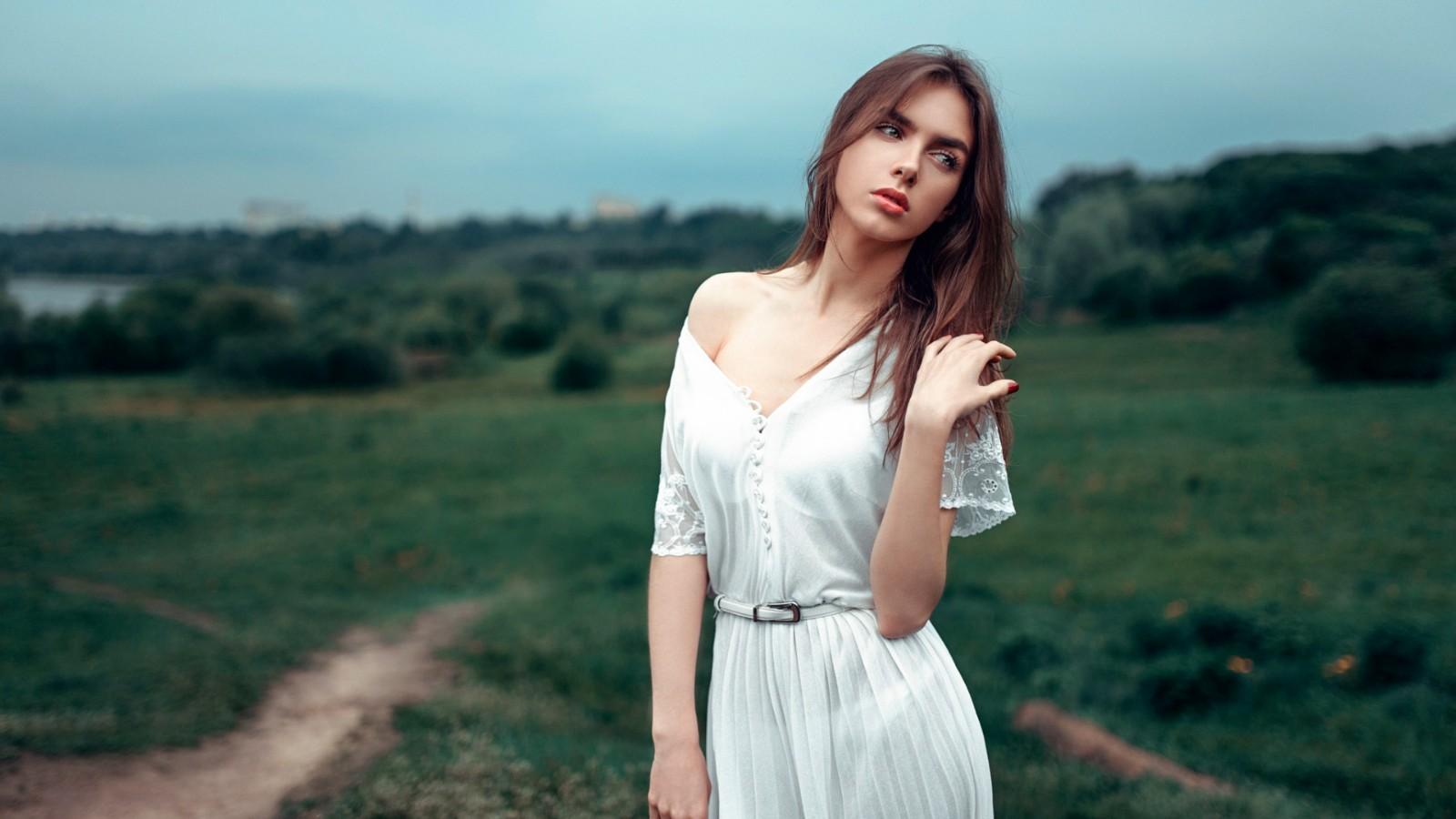 女孩可爱的照片,美丽的女孩,白色裙子,好看的姿势,自然,美女壁纸