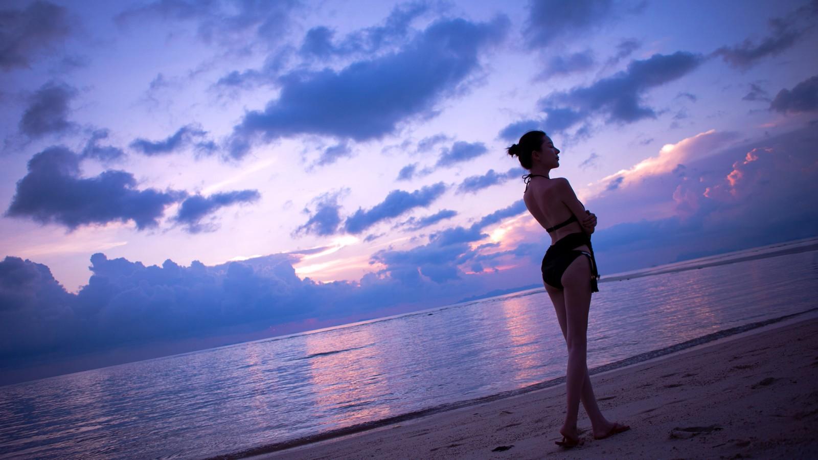 海边海滩,比基尼美女,慕羽茜壁纸