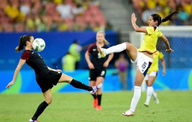 一直觉得女子足球毁容的机会太大了