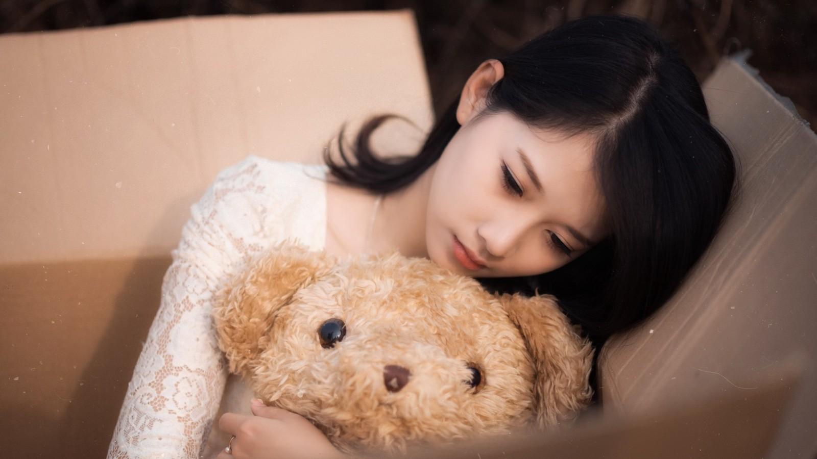女孩,玩具熊,盒子,心情图片,美女壁纸